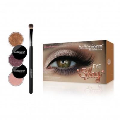 Make up kits / pallettes